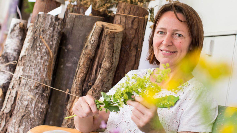 Karin Buchart, Gründerin der Traditionellen Europäischen Heilkunde