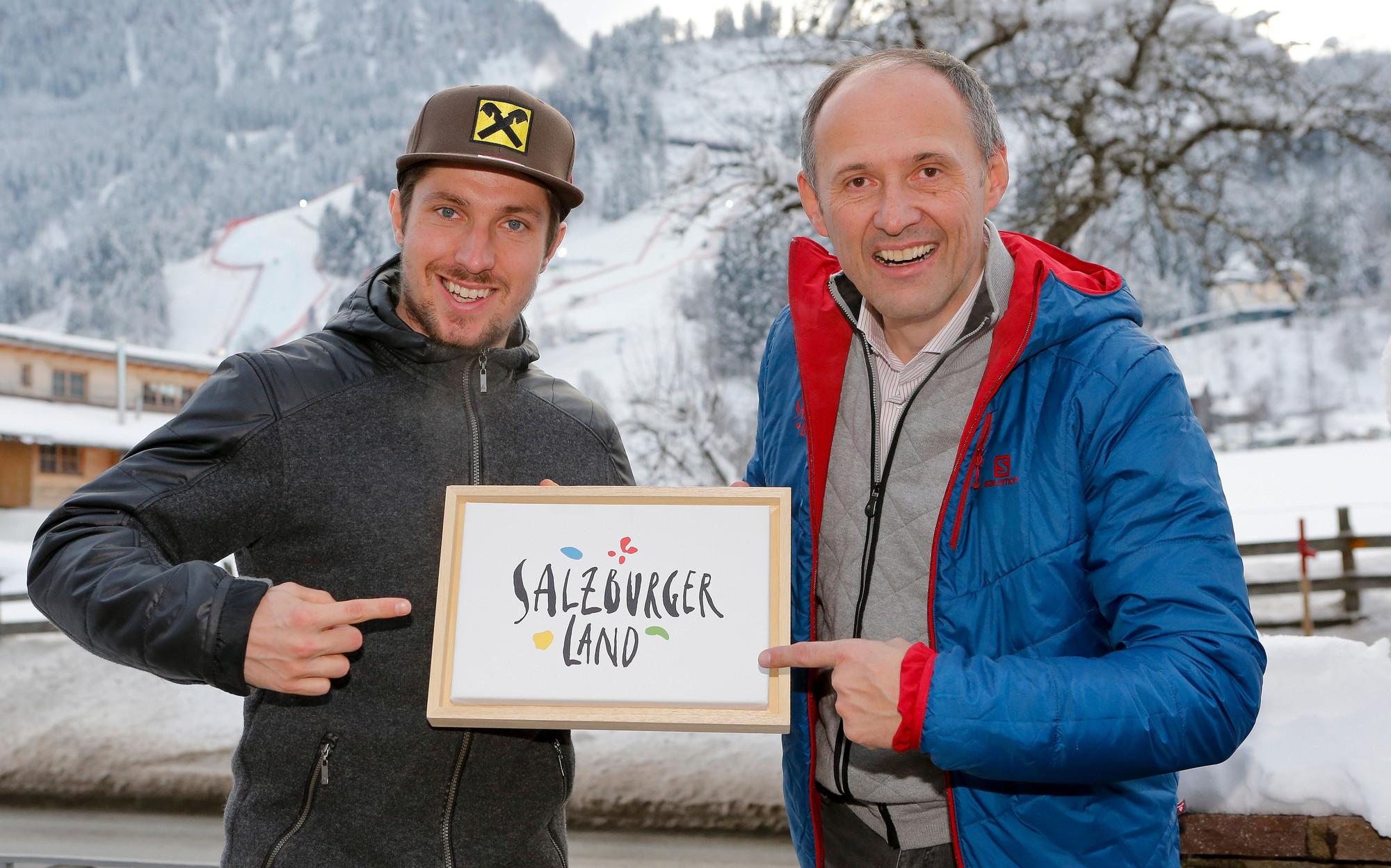 Der Skistar Marcel Hirscher im Bild mit Leo Bauernberger, GF SalzburgerLand Tourismus
