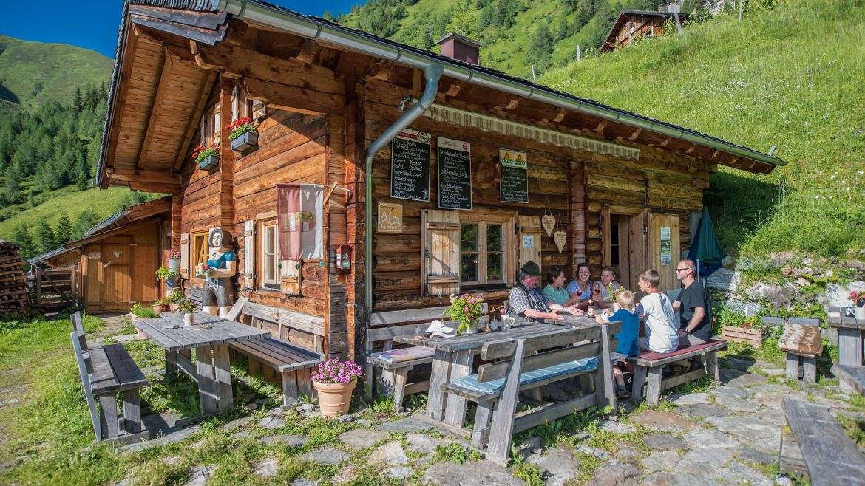 Grussberghütte im Sommer