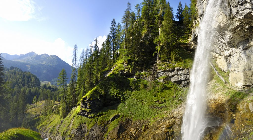 Natur in Obertauern mit Wasserfall