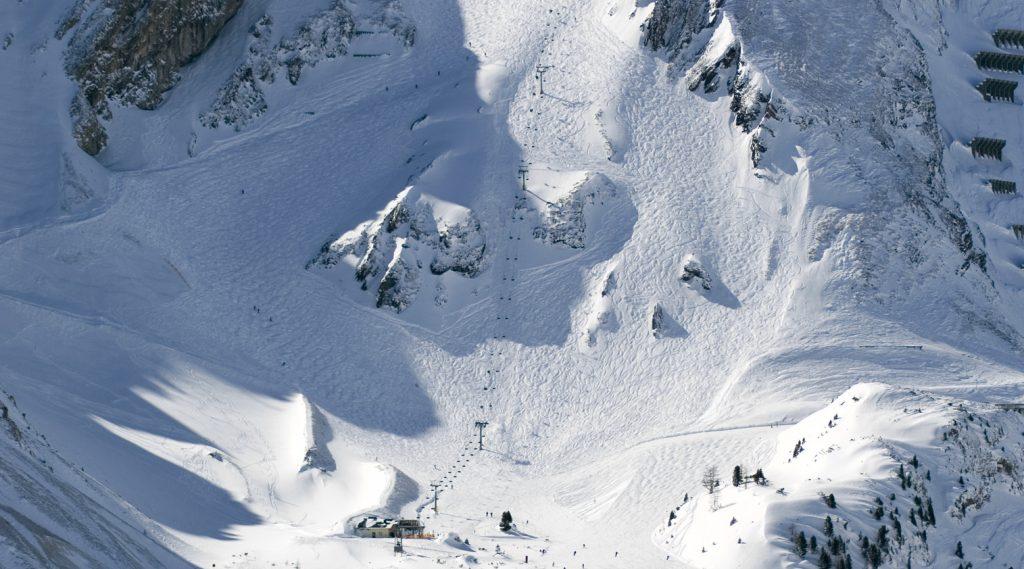 Hoher Gipfel in Obertauern, tief verschneit