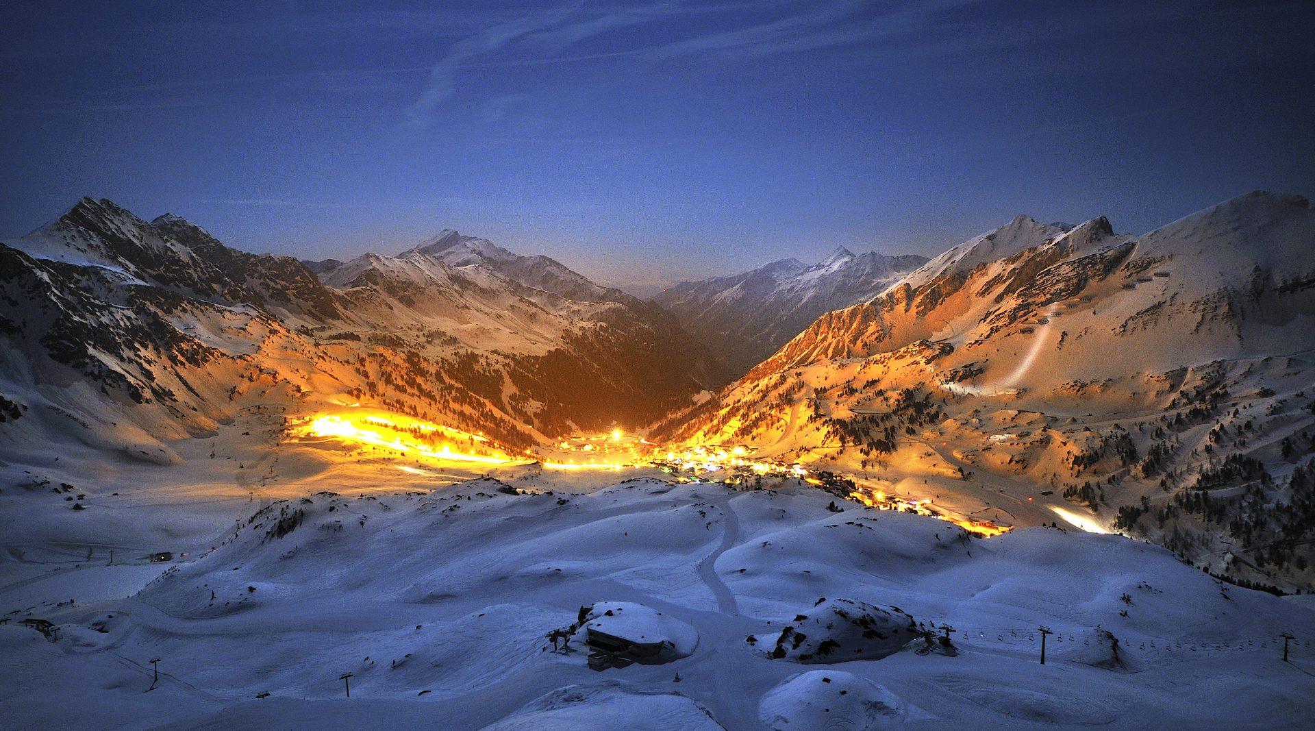 Beleuchtetes, winterliches Obertauern