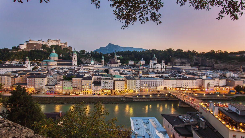 Salzburg vom Kapuzinerberg aus - Altstadt, Salzach und Festung