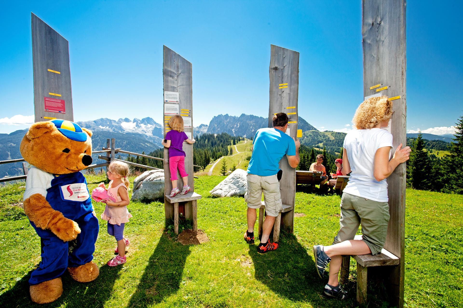 Familie im Erlebnispark Burno´s Bergwelt