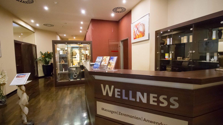 Theke des Wellnessbereiches