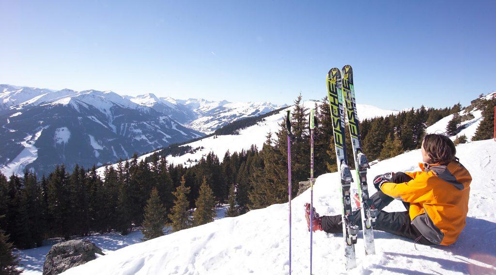 Skifahrer beim Sonnene