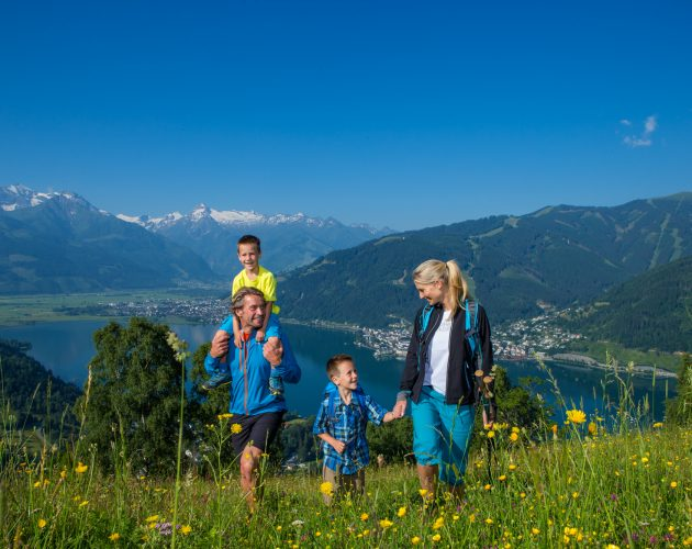 Familienwandern am Mitterberg in Zell am See.