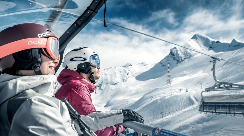 Skifahrer am Gletscherjet3 am Kitzsteinhorn.