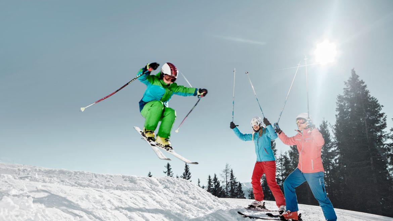 Action auf der Funslope im Skigebiet Schmittenhöhe.