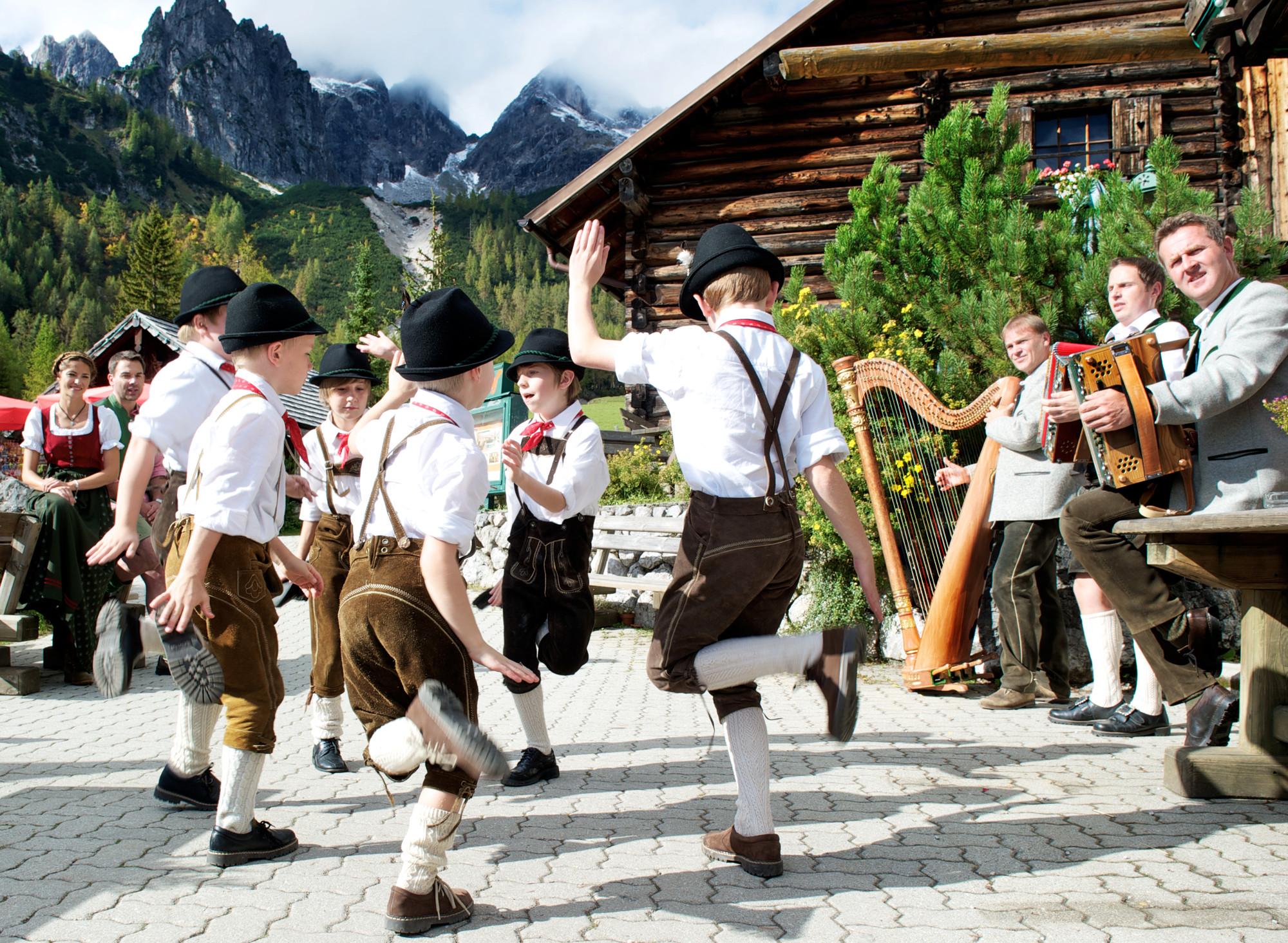 © SalzburgerLand Tourismus, Bauernherbst Fest mit Kinder