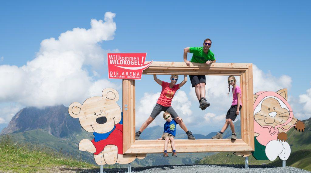 Familienwandern in der Wildkogel-Arena.