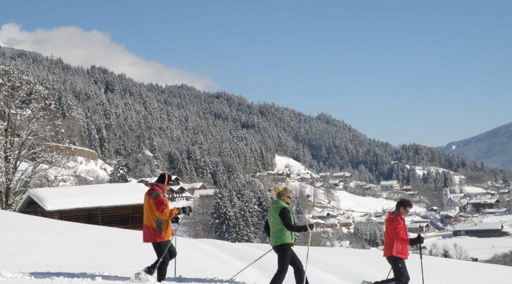 Schneeschuhwanderung in Wald Königsleiten.