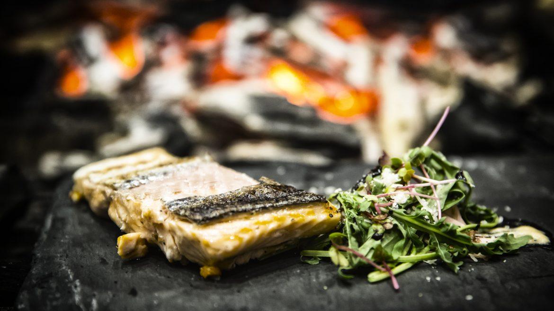 Fischfilet mit Kräutern vom Grill