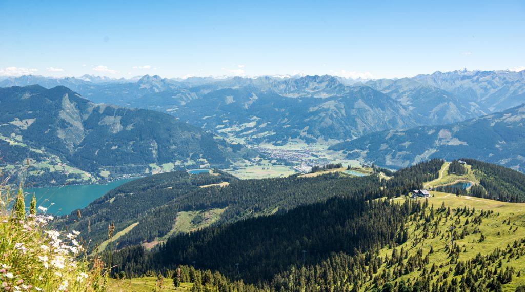 Blick vom Berg auf die 4 seen der Wanderung