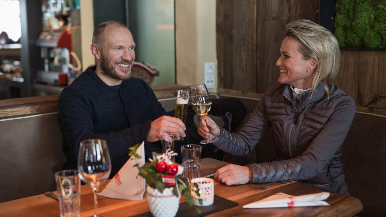Alexandra Meissnitzer und Hermann Maier auf der Herzerlalm in Flachau