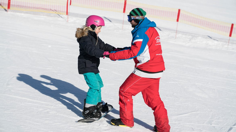 Snowboardunterricht für Amy (Sechs Paar Schuhe)
