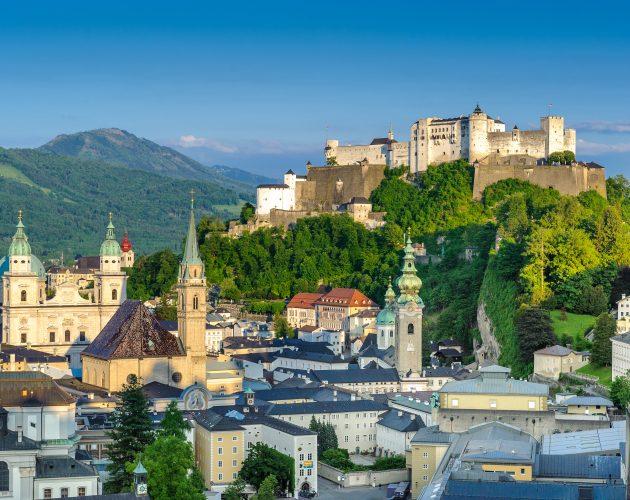 Blick vom Mönchsberg auf die Festung Hohensalzburg und die Salzburger Altstadt (c)Tourismus Salzburg GmbH, G.Breitegger
