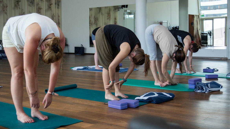 Yogaeinheit im TAUERN SPA