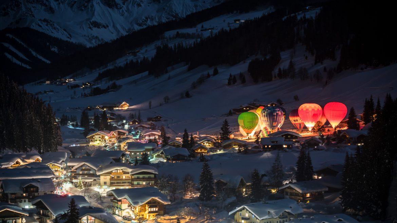 Hőlégballonok Éjszakája Filzmoosban