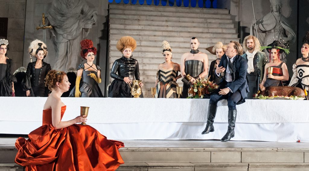 Opvoering Jedermann tijdens de Salzburger Festspiele