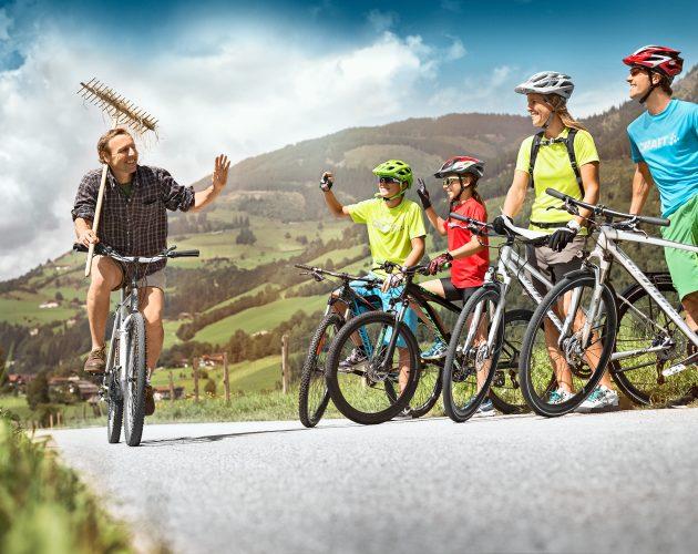 Begroeting op de fiets